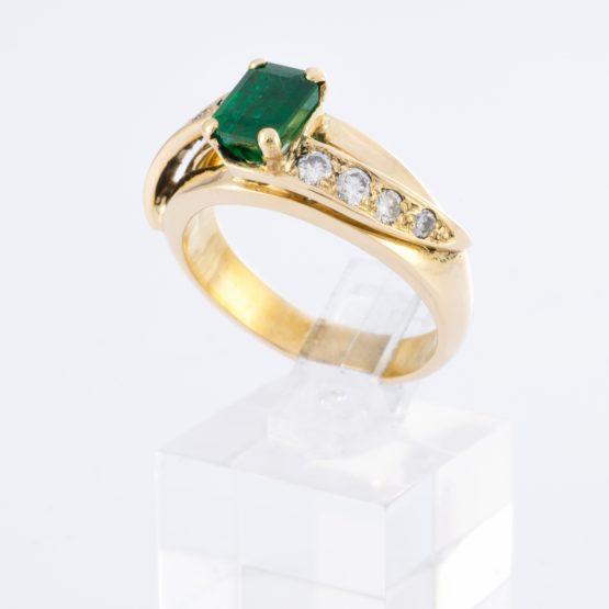 Bague or émeraude diamants